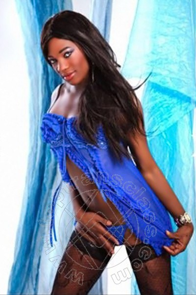 Naomi Ts  STOCCARDA 004915213298340